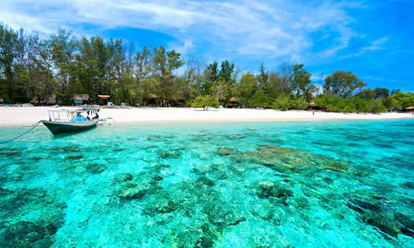 Visit Okinawa with Japan Holidays